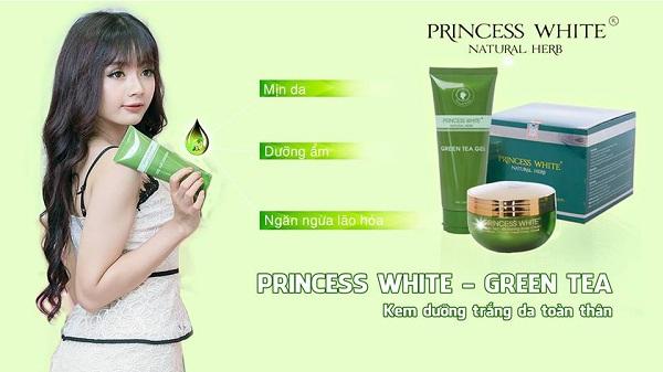 Kem Princess White Green Tea Trà Xanh có tốt không? Giá bao nhiêu? Đây là thắc mắc của nhiều chị em khi đang có ý định sử dụng sản phẩm. Để giúp chị em có câu trả lời thỏa đáng hãy cùng theo dõi những chia sẻ dưới đây. Kem Princess White Green Tea Trà Xanh có tốt không Sản phẩm mỹ phẩm được đánh giá có tốt hay không phụ thuộc vào thành phần, những chứng nhận cũng như hiệu quả mang lại. Vì vậy bạn hãy đánh giá xem Princess White Green Tea Trà Xanh có tốt không thông qua những tiêu chí này nhé. Sự an toàn của sản phẩm Sản phẩm sản xuất trên dây chuyền công nghệ hiện đại. Các tinh chất tự nhiên đều được tách chiết độc tố và pha trộn theo đúng tỷ lệ để mang đến hiệu quả tốt nhất. Với 100% tinh chất trà xanh và trái bơ thiên nhiên, đảm bảo tốt cho làn da, an toàn khi sử dụng. Trong trà xanh có chứa nhiều vitamin, khoáng chất cực tốt cho làn da trong việc dưỡng trắng, tái tạo da và phục hồi tế bào da hư tổn. Bổ sung dưỡng chất cho da chắc khỏe, trắng mịn. Sản phẩm có xuất xứ Việt Nam, được bộ y tế cấp phép lưu hành trên toàn quốc và chứng nhận về chất lượng. Hiệu quả mà sản phẩm mang lại Bảo vệ da trước ánh nắng mặt trời và không bắt nắng. Cũng như chống lại các tác hại từ môi trường. Cung cấp các dưỡng chất, chất chống oxy hóa góp phần ngăn ngừa lão hóa, làm mờ thâm nám. Mang đến làn da chắc khỏe, căng tràn sức sống và mịn màng. Dưỡng ẩm cho da, gia tăng độ đàn hồi và kích thích tái tạo tế bào da mới, phục hồi hư tổn, làn da trắng hồng tự nhiên. Loại bỏ chất độc trên da, khắc phục làn da bị thâm nám, sạm đen. Phù hợp và an toàn cho mọi làn da. Hiệu quả nhanh, chỉ sau 2-3 tuần sử dụng là thấy kết quả rõ rệt. Giá bán của kem Princess White Green Tea Trà Xanh Kem Princess White Green Tea Trà Xanh với giá 390.000 đồng/tuýp 200g. Đây là mức giá bán lẻ và được niêm yết trên thị trường. Nếu bạn thấy địa chỉ nào bán giá đắt hơn hoặc thấp hơn thì không nên mua vì rất có thể đó là hàng nhái. Trong những dịp đặc biệt nếu công ty tiến hành chương trình ưu đãi, giảm giá sản phẩm thì 